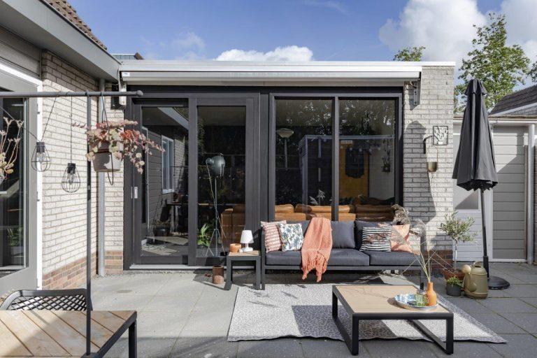 Select Windows Drachten - Trendy zwarte schuifpui in Leeuwarden - zwarte kunststof kozijnen
