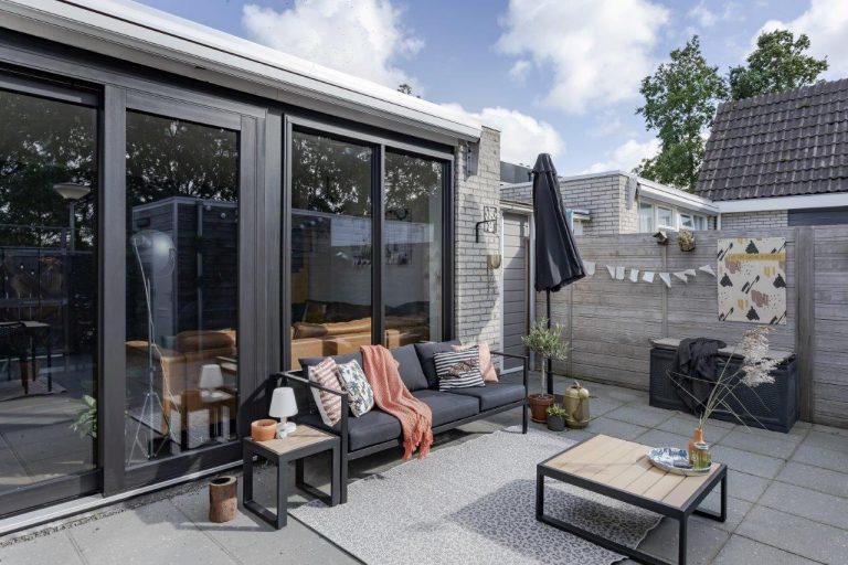 Select Windows Drachten - Trendy zwarte schuifpui in Leeuwarden - kozijnen vervangen of renoveren