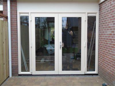 Select Windows Drachten - kunststof tuindeuren