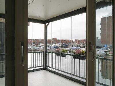 Select Windows Drachten - balkonbeglazing glazen schuifwand
