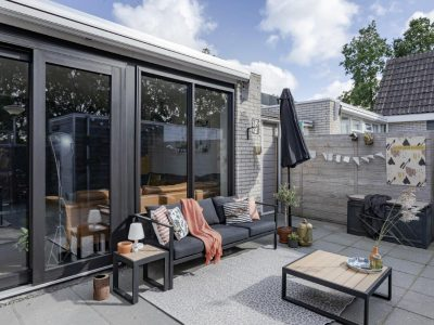 Select Windows Drachten - Trendy zwarte schuifpui in Leeuwarden